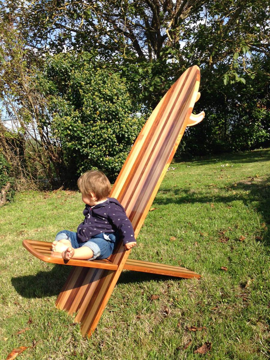 assise planche de surf en bois