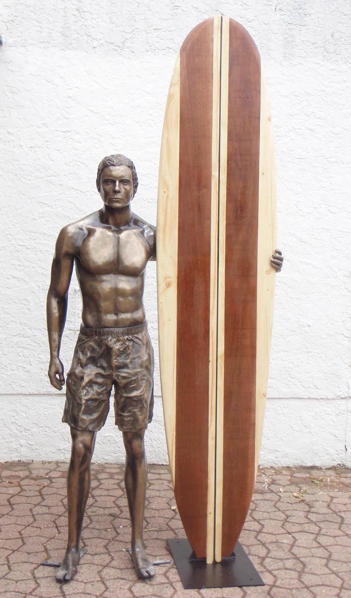 sculpture bronze surfeur