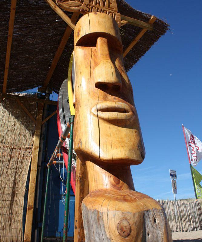sculpture bois géante